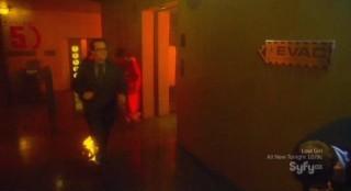 Eureka S5x04 - Fargi is on fire but obliviosu to the dangerous situation