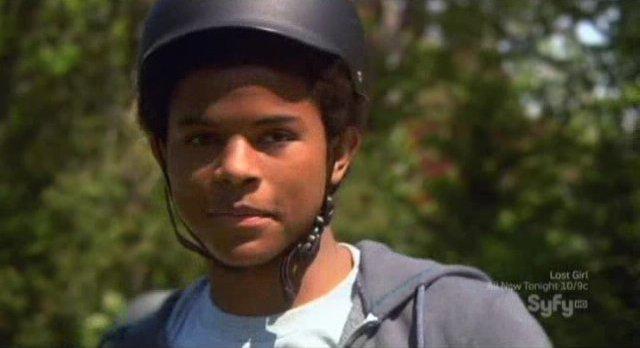 Eureka S5x04 - Trevor Jackson returns as Kevin in season 5