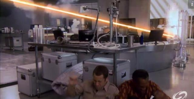 Eureka S5x07 - Carter and Henry in the lab
