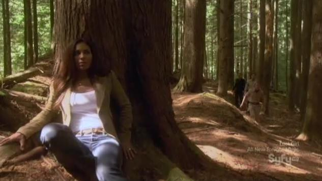 Eureka S5x12 Allison hiding woods