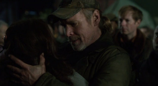 Falling Skies S2x04 - The Weaver family is reunited