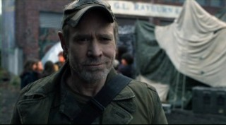 Falling Skies  S2x04 - Captain Weaver watches as the patrol leaves