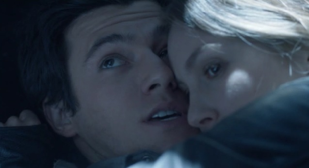 Falling Skies S2x05 Maggie and Hal hiding from the Mechs