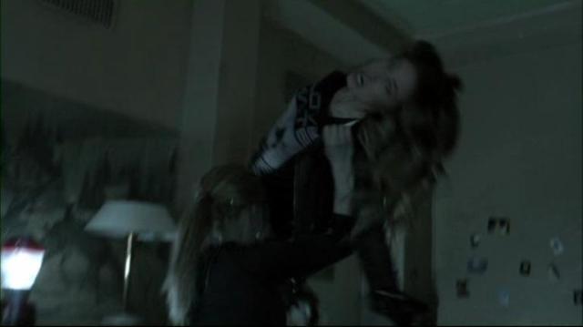 Falling Skies S2x06 Karen Maggie fight
