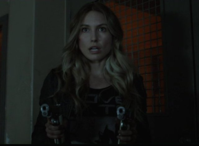 Falling Skies S2x06 - Maggie is packing double 45 automatics
