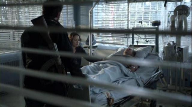 Falling Skies S2x06 Tom and doc discuss Weaver