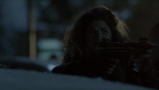 Falling Skies S2x07 - Crazy Lee defends against attack on hospital