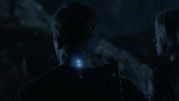 Falling Skies S2x07 - Ben spikes light up when Skitters are near