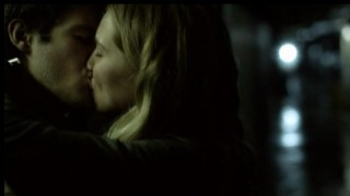 Falling Skies S2x07 Hal gets kiss 10