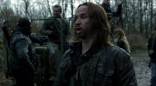 Falling Skies S2x07 - John Pope sarcasm returns to delight the viewers