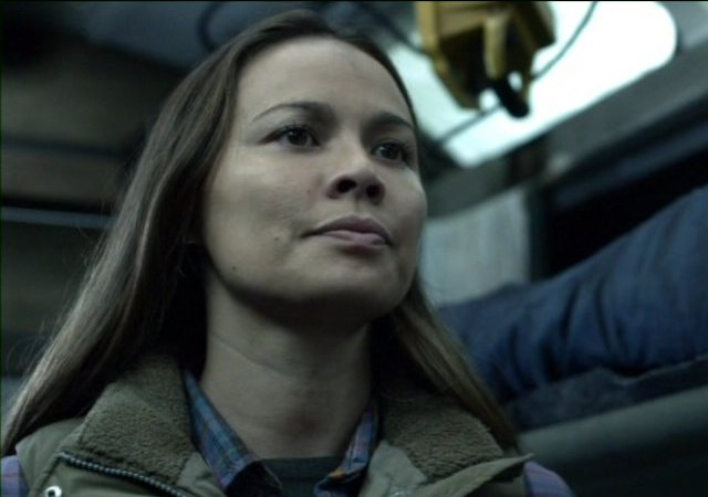 Falling Skies S2x07 - Moon Bloodgood as Anne Glass get serious about events