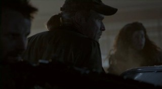 Falling Skies S2x07 - Tector, Weaver and Crazy Lee set up for battle