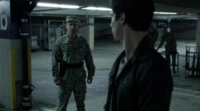 Falling Skies S2 X09 Hal and Weaver
