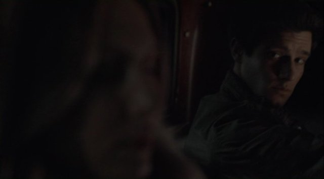 Falling Skies S2x08 - Hal gives Maggie a longing look