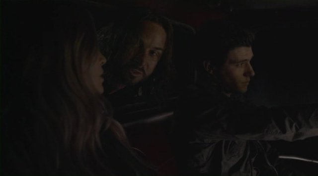 Falling Skies S2x08 - Love triangle between Maggie, John Pope and Hal Mason