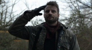 Falling Skies S2x08 - Tector comes to rally Captain Weaver by saluting him