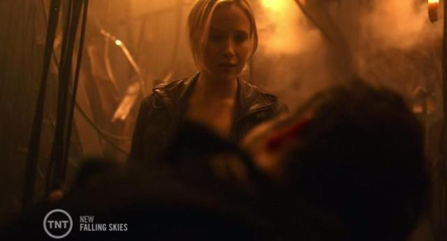 Falling-Skies-S3X08-Alien-ship-with-Karen.