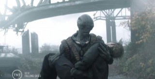 Falling Skies S3x07 Cochise coming in