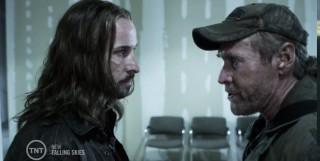 Falling Skies S3x07 Pope and Weaver