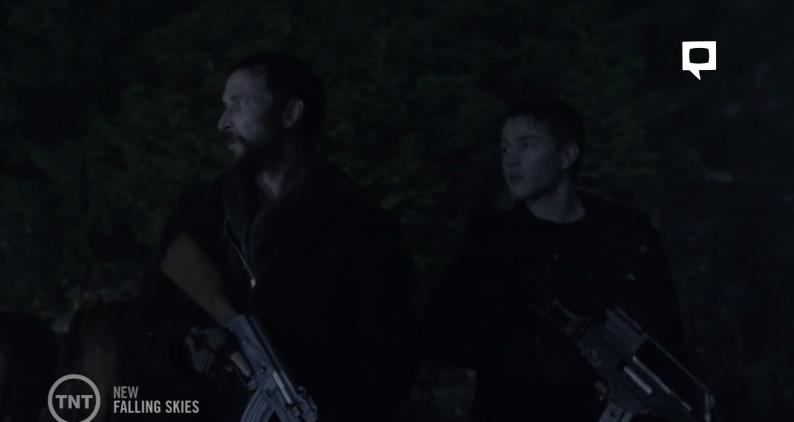 Falling Skies S3x07 Tom and Ben searching