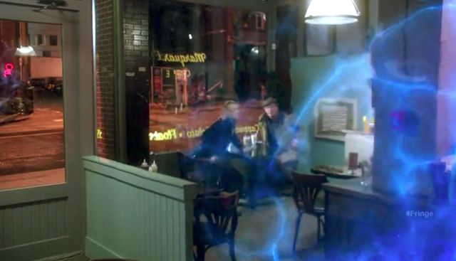Fringe S4x04 Subject 9 - Blue energy field appears in diner