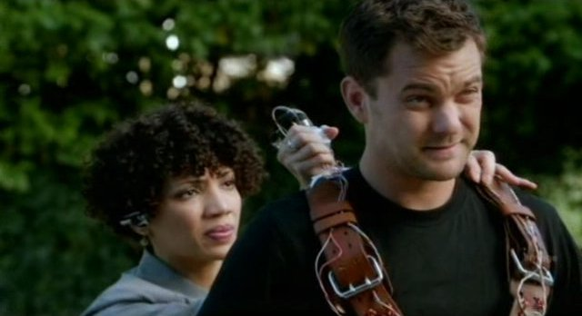 Fringe S4x06 - Astrid fit Peter with Faraday harness