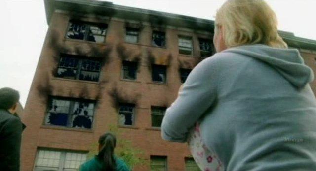 Fringe S4x06 - Building burned out