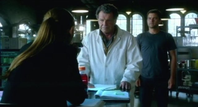 Fringe S4x06 - Walter tests Peter in the lab
