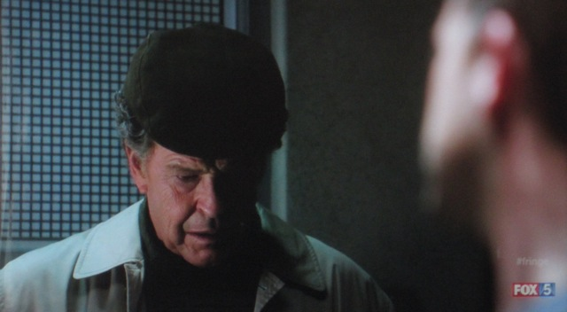 Fringe S4x05 - Walter cannot look at Peter