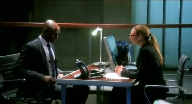 Fringe S4x10 Agent Broyles concerned about Olivia
