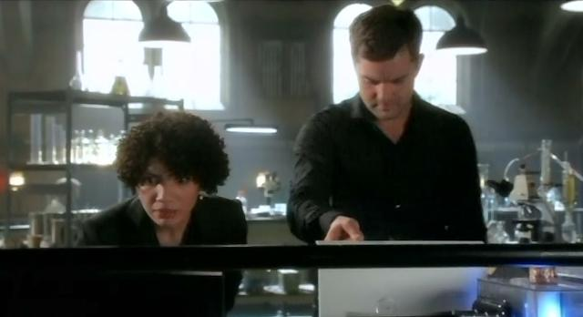 Fringe S4x10 Astrid and Peter