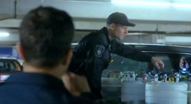 Fringe S4x10 Bomb found in Courthouse