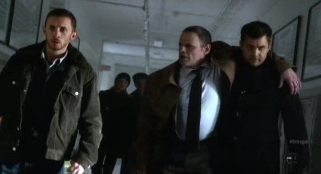 Fringe S4x12 - At the school struggling to survive