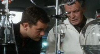 Fringe S4x12 - Peter and Walter as geeks in the lab