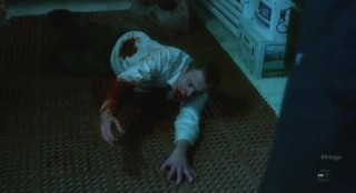 Fringe S4x12 - Peter finds a victim