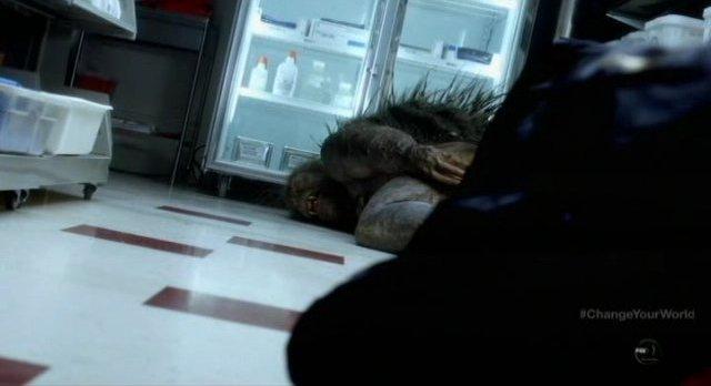 Fringe S4x16 - Daniel Cudmore as Hicks is shot dead