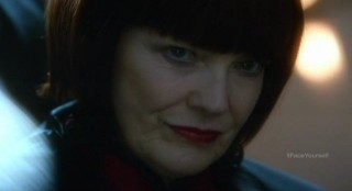Fringe S4x17 - Alt-Nina says she will take over from Colonel Broyles