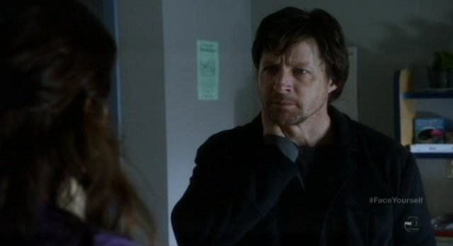 Fringe S4x17 - Canaan the Shape Shifter at the soup kitchen