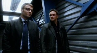 Fringe S4x17 - Lincoln escorts Canaan making good on his promise