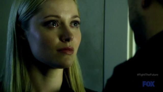 Fringe S4x19 - Very emotional scene between Etta and Peter