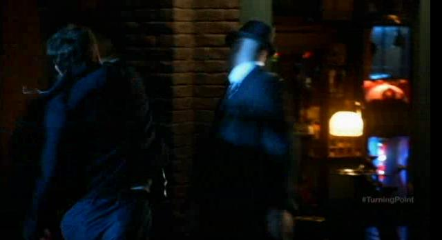 Fringe S5x04-Fight for his life