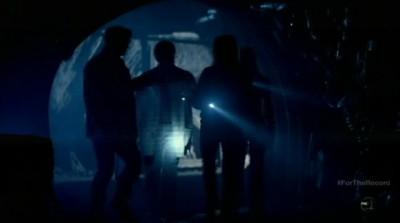 Fringe S5x03 - The Fringe team enters the abandoned gold mine