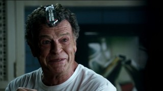 Fringe S5x02 - Walter's funny face with the complicated name device on his head