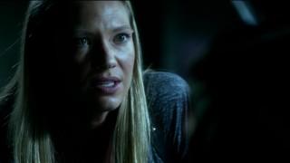 Fringe S5x02 - Olivia interrogating the loyalist