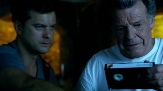 Fringe S5x02 - Peter and Walter with the video