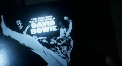 Fringe S5x07-pilfered Bowie