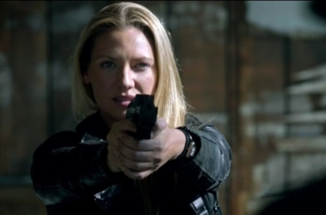 Fringe S5x05 - Yes, it is that type of gun