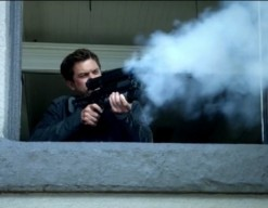 Fringe S5x05 - Peter shots the bomb into the wormhole