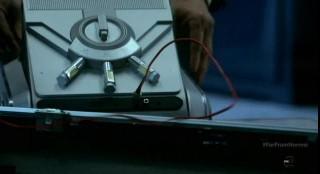 Fringe S5x10-Observer gadgets