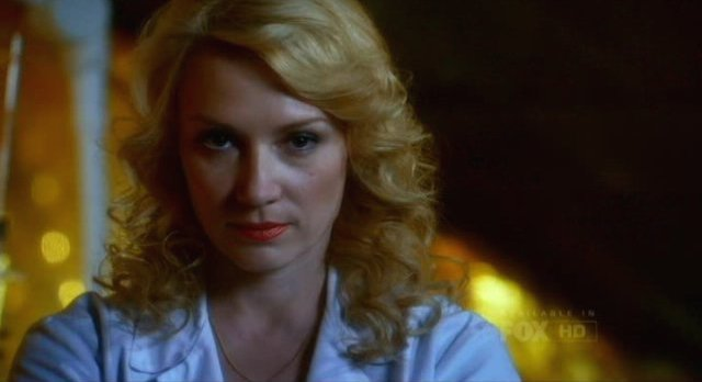 Fringe S5x09 - Doctor Carla Warren is in Walters mind